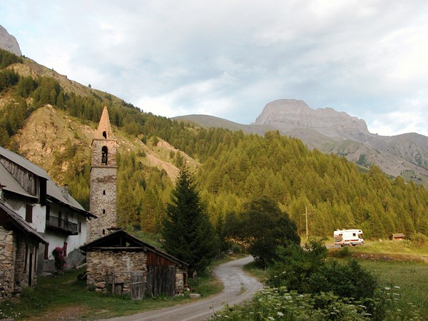 laverq ubaye French alps trekking tour